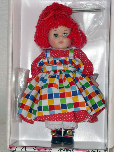 VOG1609 Vogue Rag Dolly Rock and Roll Modern Ginny Doll 2000