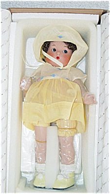 VOG1903A Vogue Just Me Small Brunette Bisque Doll in Yellow 2002