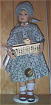 HPL0001 Heidi Plusczock Lisa Artist Doll with Kitten Basket 1999