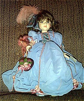 ROW0016 Robin Woods Gone with the Wind Melanie Valentine Doll 1990