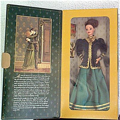 MAT0271 1996 Hallmark Yuletide Romance Barbie Doll