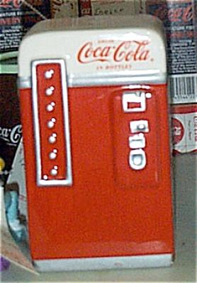 CCE0002A Enesco Ceramic Coca Cola Vending Machine Figurine 1993