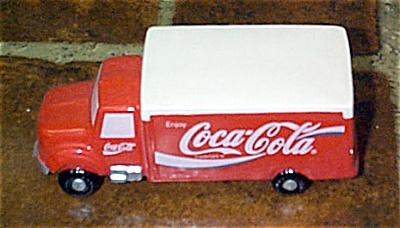 1CCE0006 Enesco Coca Cola Delivery Truck Figurine 1993-1994