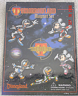 DIS0030 Disney Fabulous 5 Space Mickey and Friends Magnets Set 1998