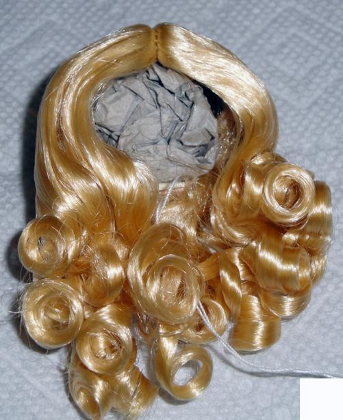 0DWG0001A Blonde Curls Wig for 3.5-5 in. Doll Heads, 7-10 in. Dolls