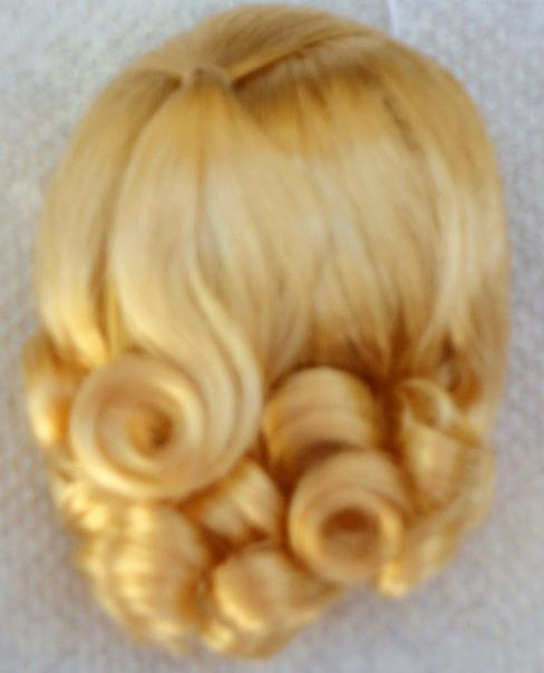 DWG0002A Blonde Lindy Wig for 3.5-5 in. Doll Heads, 7-10 in. Dolls