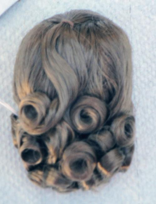 0DWG0002D Light Brown Lindy Wig for 7-10 in. Dolls, 3.5-5 in. Heads