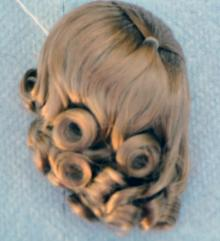 DWG0002C Honey Blonde Lindy Wig for 7-10 in. Dolls, 3.5-5 in. Heads