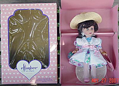 EFF0245B 1997 Effanbee Brunette Easter Sammie Doll