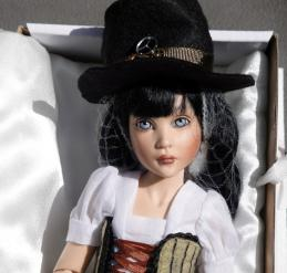 HKE0864 Kish 2014 11 in. Steampunk Paige Resin BJ Doll 2
