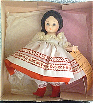 ALX0143 Madame Alexander Russian Girl Doll, 1983