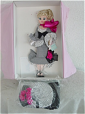 ALX0995A Madame Alexander Coco Bell Epoque Doll, 2 Outfits 1998