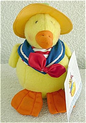 EME0004 Enesco Mary Engelbreit Cuties Delano Yellow Duck Plush
