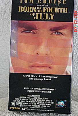 VHS0001 Born on the Fourth of July VHS Video Movie 1989-90