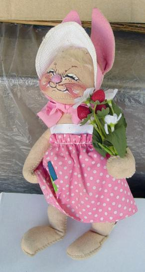 ANA0001 Vintage Annalee Bunny with Flowers 1980s