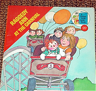 RGR0003 Raggedy Ann at the Carnival Paperback Book 1977