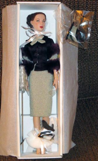 TAH0063 Tonner Feather in Her Hat Anne Harper Doll 2011
