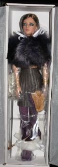 TTW0053 Tonner So Sleek Sydney Chase Doll, 2011 2